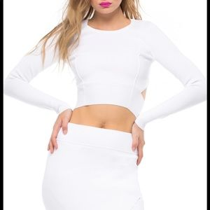 KENDALL & KYLIE white long sleeve sweater crop top